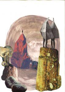 steinige Landschaft mit rechts auf einem Plateau stehenden Figuren unter einer zeltähnlichen Tüte